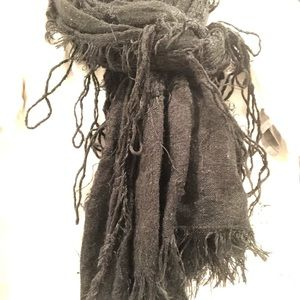 Accessories - Tattered black scarf
